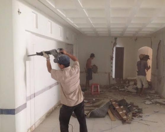 Thợ sơn nhà tại TP Biên Hòa, Đồng Nai, chúng tôi chuyên cung cấp thợ sơn nhà khu vực biên hòa tỉnh đồng nai. Sở hữu đội thợ sơn nhà chuyên nghiệp, khảo sát báo giá tại nhà, dịch vu sơn nhà có trên 10 năm kinh nghiệm trong nghề sơn sửa chữa nhà cũ, cải tạo lại nhà cấp 4, nhà lầu. Nhận sơn nhà chung cư, sơn nhà phố, sơn nhà  liền kề, sơn nhà theo phong thủy, sơn dặm vá tường cũ, sơn lại nhà trọ, nâng cấp nền móng nhà,...Liên hệ ngay hotline O9O7.6O3.222