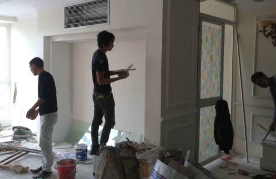 + Tự hào là công ty cung cấp dịch vụ cải tạo và sửa chữa nhà tại TPHCM uy tín, chuyên nghiệp. Về việc sửa chữa, cải tạo lại nhà cũ, nâng cấp nền móng nhà, đập phá, thảo dỡ tường cũ,..Nhận xây thêm phòng ngủ, nhà bếp, nâng cấp thêm tấm, ốp gạch chân tường, thay đổi kết cấu nhà ở, tư vấn sửa nhà trọn gói tại TPHCM.
