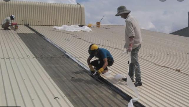 Công ty chúng tôi cung cấp dịch vụ chống dột mái tôn quận 2, thợ chống dột mái tôn chuyên nghiệp. Xử lý thấm dột mái tôn bằng nhiều phương pháp hiệu quả nhất. Nhận chống dột mái tôn nhà ở. nhà xưởng, nhà dân dụng, chống dột nhà hàng, khách sạn... Sửa chữa mái tôn, thay lợp mái tôn, chống nóng, cách nhiệt...Là đơn vị chống dột mái tôn quận 2 giá rẻ, cam kết xử lý hết dột 100%, bảo hành chống dột dài hạn...Liên hệ O907.603.222