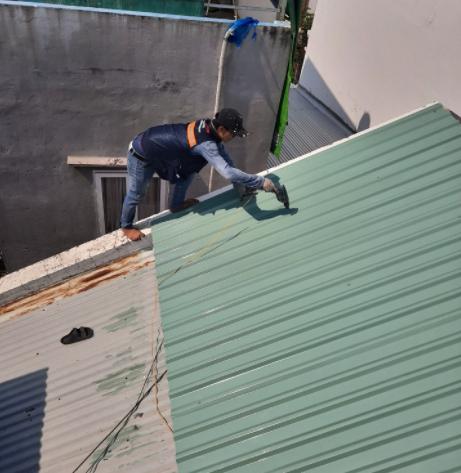 Công ty chuyên cung cấp dịch vụ chống dột mái tôn tại quận 6, có đội thợ chuyên xử lý chống thấm dột mái tôn chuyên nghiệp. Nhận xử lý mái tôn nhà ở, nhà xưởng, nhà cấp 4, nhà lầu, quán xá, nhà biệt thự, chung cư. Thợ chống dột mái tôn quận 6, xử lý triệt để tình trạng thấm dột mái tôn hiệu quả, bảo hành dài hạn. Dịch vụ chống dột mái tôn quận 6 cam kết giá rẻ, xử lý triệt để, khảo sát miễn phí, báo giá chính xác. Vui lòng liên hệ holine: 0907.603.222