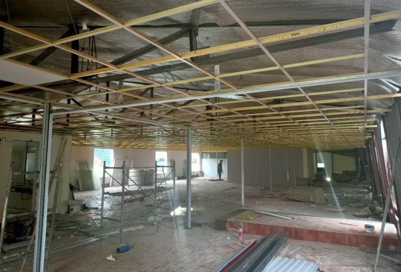 • Cải tạo nhà, nâng cấp nhà, chuyển đổi mục đích sử dụng.  • Nâng cấp nền nhà, mở rộng nhà, phòng ngủ, xây thêm tấm.  • Xử lý chống thấm trần nhà, tường nhà, chống dột, chống sạt lỡ, chống rạn nứt tường.  • Lắp đặt hệ thống điện nước, và sửa chữa điện nước dân dụng và công nghiệp.  • Sửa chữa nhà, cải tạo lại nhà, sửa các hạng mục công trình nhà ở theo yêu cầu khách hàng.  • Sơn tường, sơn trần nhà, sơn bả matit, quét vôi, quét ve tường nhà,tân trang lại nhà.  • Sửa ,Làm mới cầu thang sắt, inox, cầu thang gỗ, sơn dầu, sơn Pu đồ gỗ. Làm cửa sắt, của cổng, hàng rào.  • Thi công hàn khung sắt, lợp mái tôn, đóng trần thạch cao, dựng vách ngăn thạch cao.  • Xử lý chống thấm nhà tắm, tolet, lắp đặt hệ thống nhà vệ sinh, lắp bồn cầu...