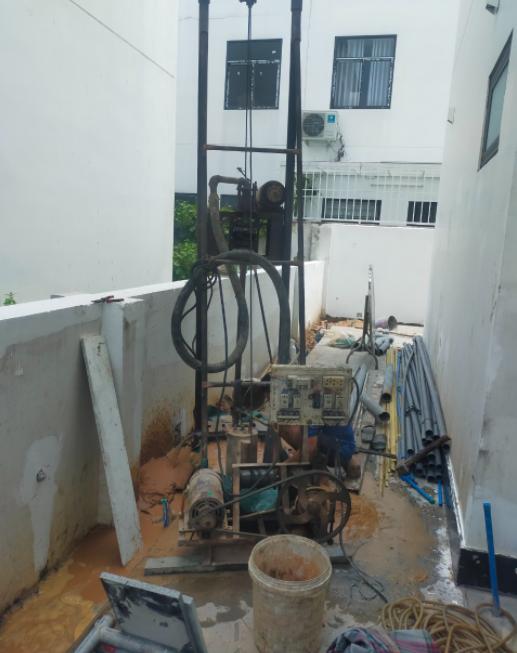 Thợ khoan giếng nước tại quận 3, chuyên khoan giếng nước gia đình ở tại quận 3. Dịch vụ khoan giếng tại quận 3 giá hợp lý nhất, nhận khoan giếng trọn gói, bao gồm lắp đặt máy bơm nước. Thi công khoan giếng ở quận 3 , chúng tôi cung cấp thợ khoan giếng nước ở tại quận 3 , với đội ngũ thợ khoan giếng lâu năm dày kinh nghiệm trong lĩnh vực khoan giếng gia đình và công nghiệp. Lắp đặt máy bơm nước giếng khoan, sữa chữa giếng khoan. Khoan giếng quận 3,...Liên hệ  0907.603.222