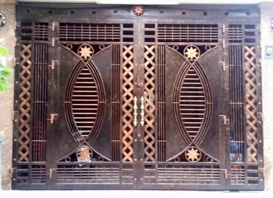 Chúng tôi chuyên cung cấp thợ sơn dầu cửa sắt tại quận 3. Nhận sơn dầu cửa sắt, sơn cửa cổng, hàng rào sắt, sơn cửa sắt phòng ngủ, hàng rào sắt sân thượng. Với đội ngũ thợ sơn cửa sắt tại quận 3 có nhiều năm kinh nghiệm, thi công sơn lại cửa sắt, bền, đẹp, chất lượng, bảo hành dài hạn.  Nhận sơn cửa cổng sắt nhà ở dân dụng, biệt thự, sơn cửa sắt nhà liền kề, sơn hàng rào nhà xưởng, sơn dầu cầu thang sắt, lan can, ban công. Thợ sơn cửa sắt quận 3, nhận sơn sắt cho tất cả hạng mục nhỏ nhất. Liên hệ O9O7.6O3.222