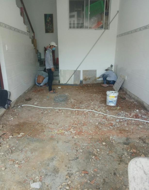 Thợ sửa chữa nhà tại quận tân bình, nhận sửa nhà cấp 4, sửa nhà biệt thự, sửa chữa nhà lầu, sửa nhà trọ. Nhận sửa chữa nhà ở dân dụng, nhà xưởng, sửa mặt bằng kinh doanh, sửa chữa căn hộ chung cư. Thợ sửa nhà tại tân bình, nhận sửa chữa phòng khách, phòng ngủ, nhà bếp, đập phá tháo dỡ tường cũ, ngăn thêm phòng. Cải tạo lại nhà cũ xuống cấp, nâng cấp nền nhà, xây tô ốp lát gạch men, đá hoa cương, sơn bả hoàn thiện...Liên hệ O907.603.222 - O775.130.888. Hỗ trợ tư vấn khách hàng 24/7.